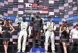 Super podium in TCR